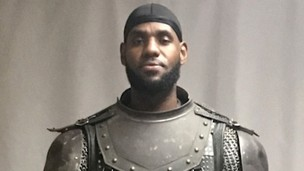 LeBron James suýt nữa mặc giáp Game of Thrones Armor trong Space Jam 2